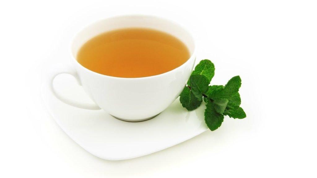 Green tea remedy to reduce hair fall